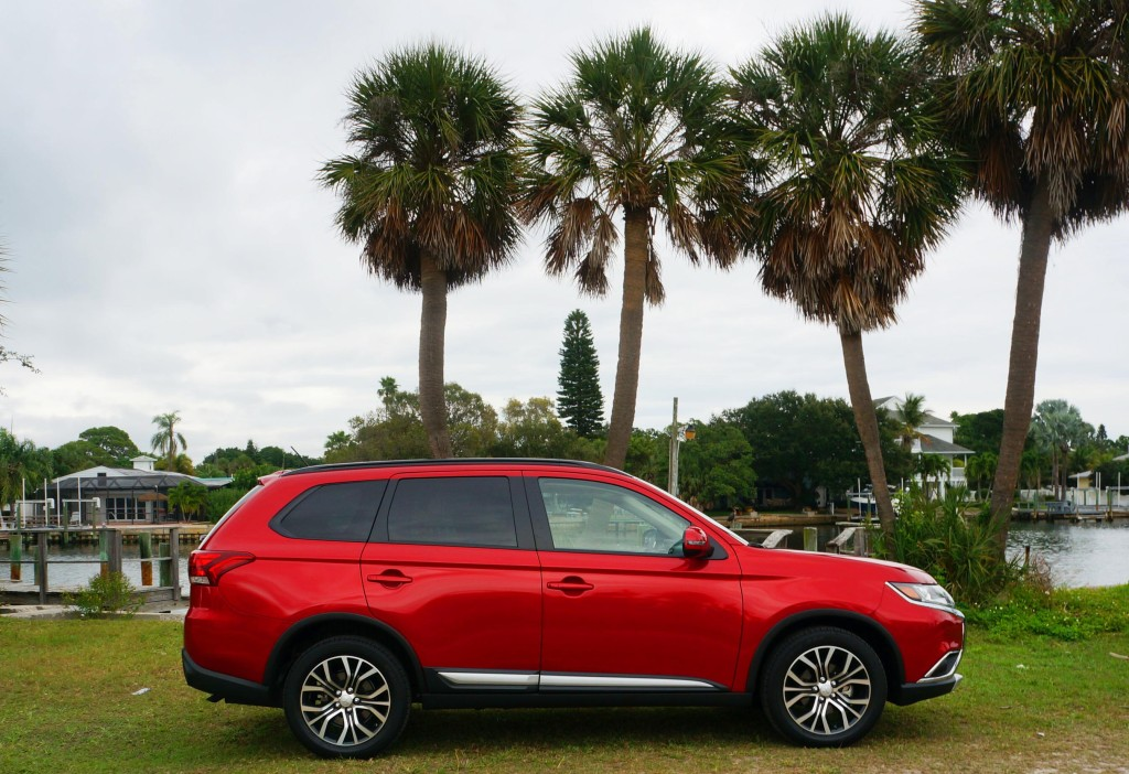 review mitsubishi outlander sel suv