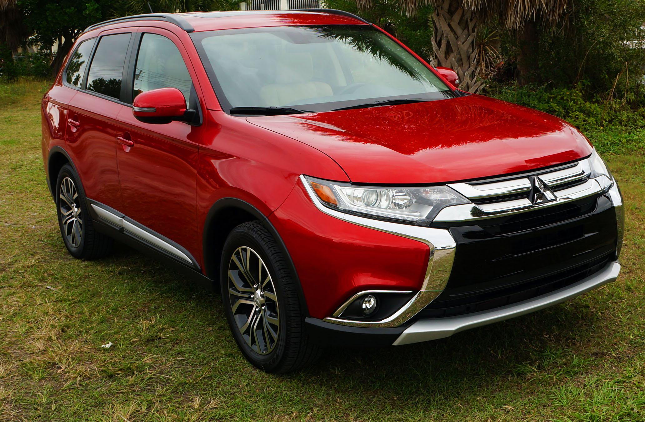 review mitsubishi outlander suv rally red