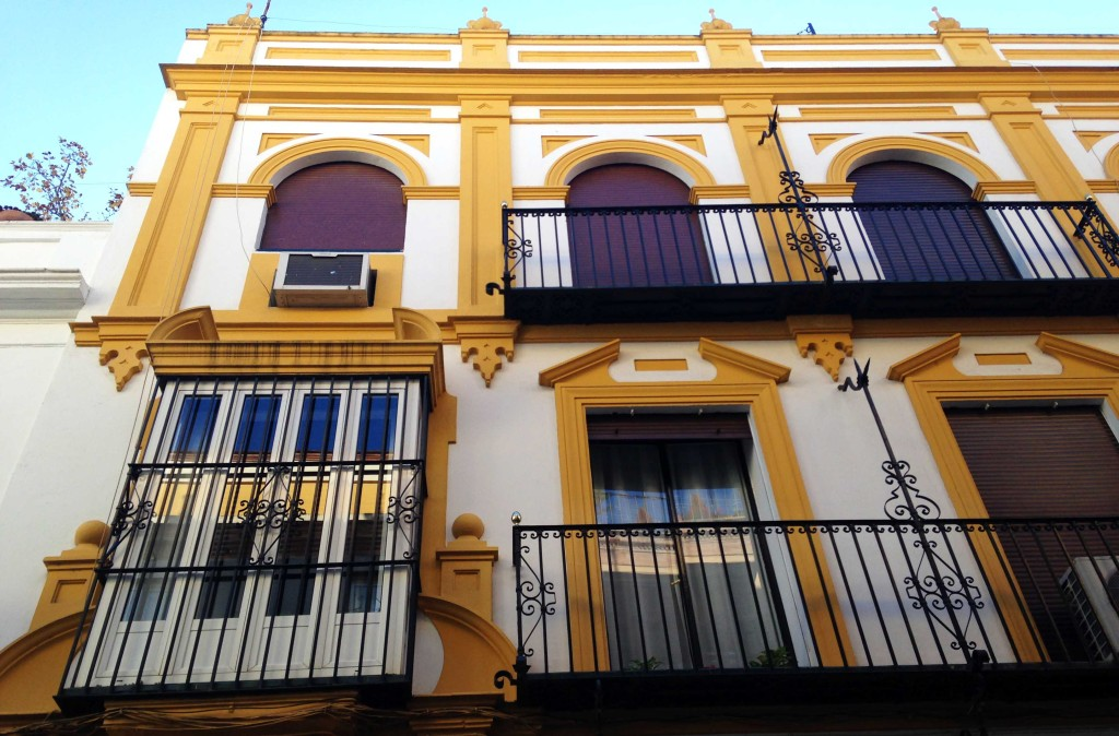 solo travel in spain spanish balconies