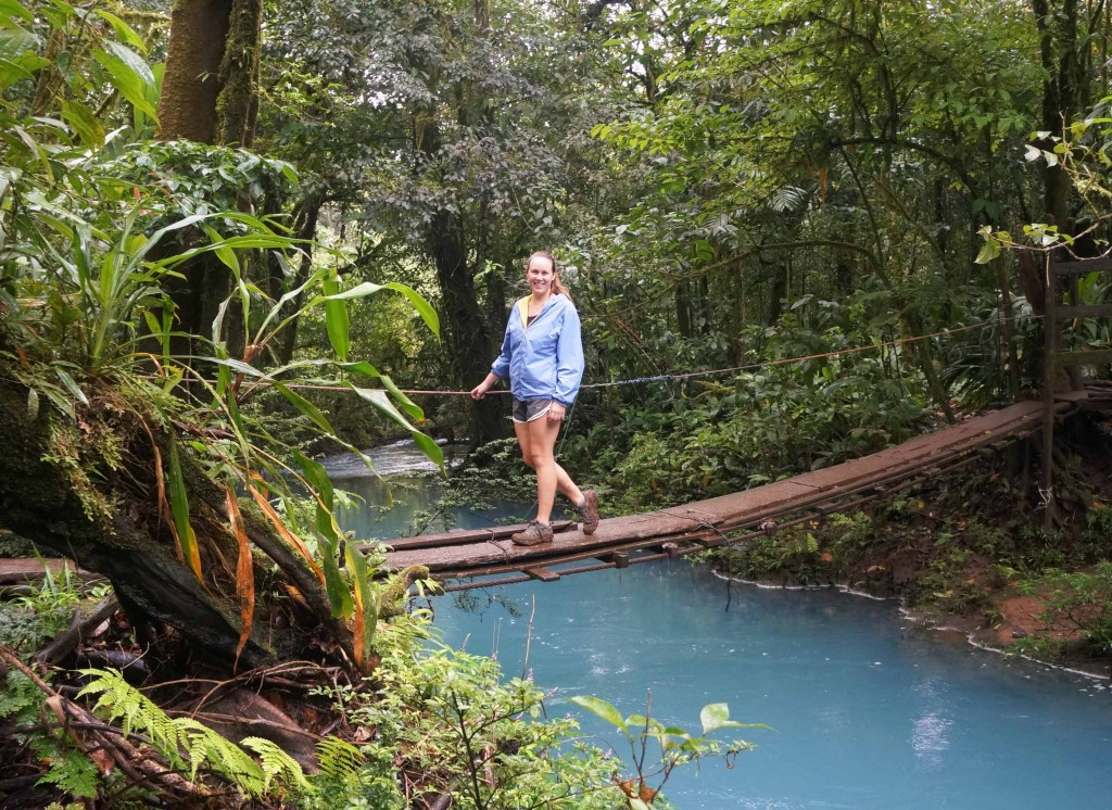things to know before visiting rio celeste national park- hanging bridges