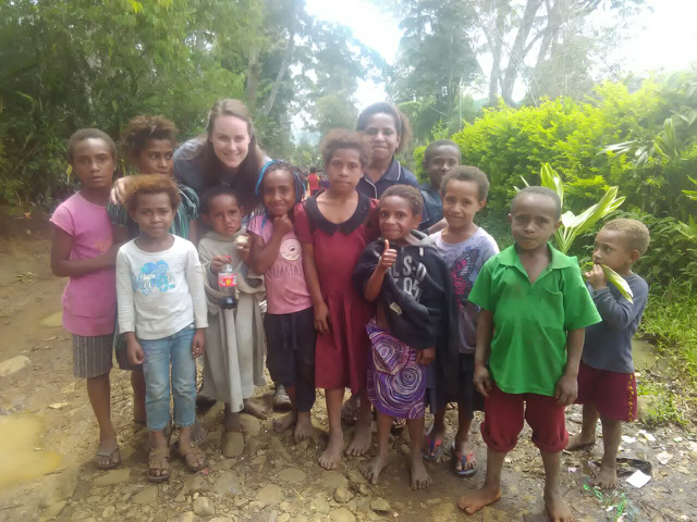 how to support local women when you travel - papua new guinea
