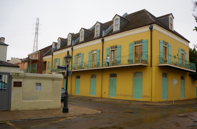 walking tour of new orleans streets