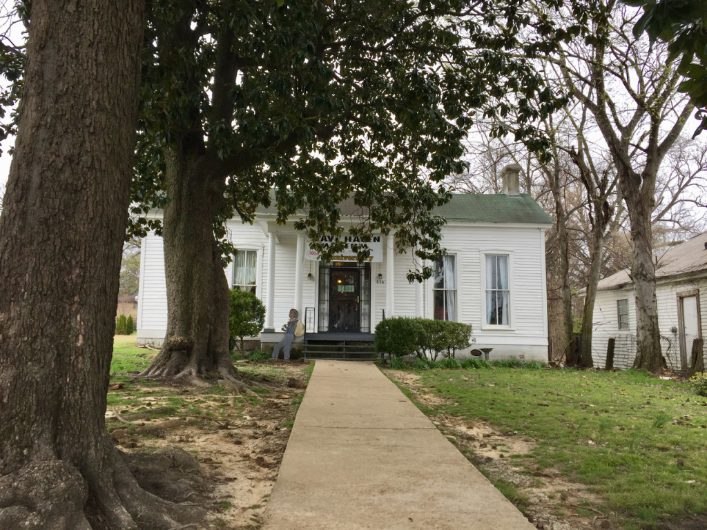 walking tour of african history in memphis slave haven
