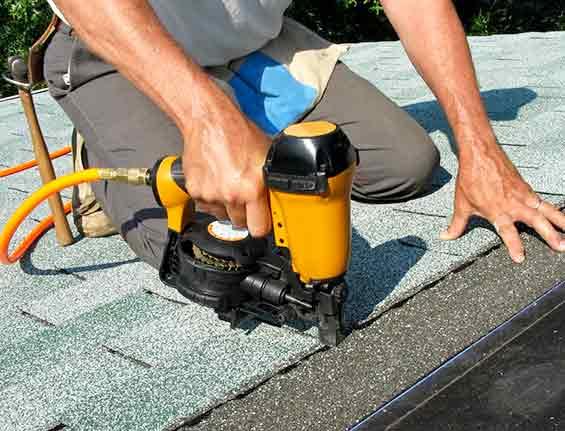 Roofer Repair Technician