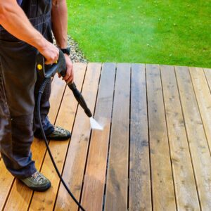 surface cleaning wooden deck with power washer