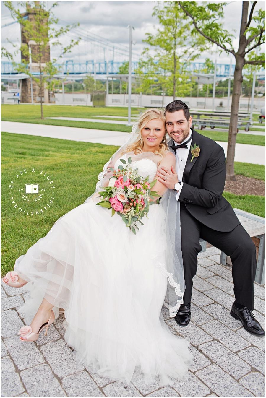21 C Museum Cincinnati Wedding Photos_1999.jpg
