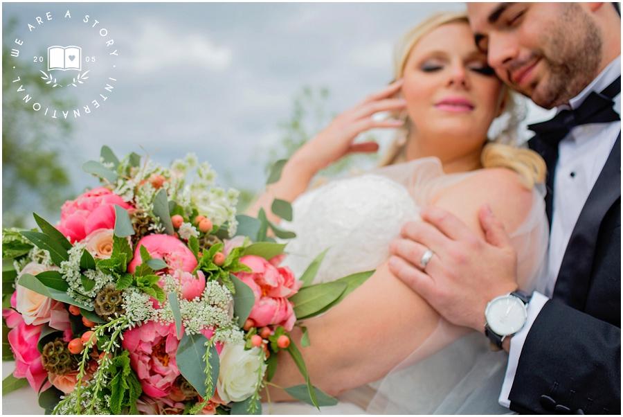 21 C Museum Cincinnati Wedding Photos_2016.jpg