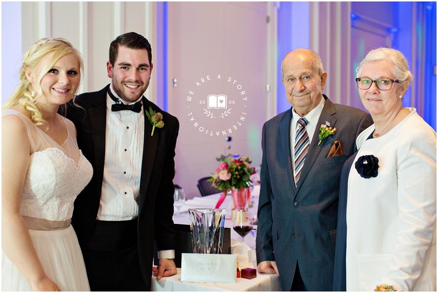 21 C Museum Cincinnati Wedding Photos_2033.jpg