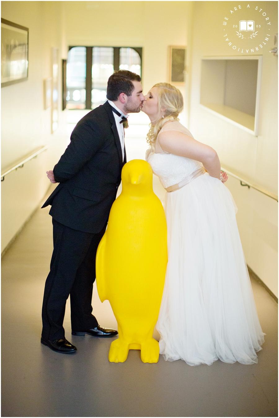 21 C Museum Cincinnati Wedding Photos_2041.jpg