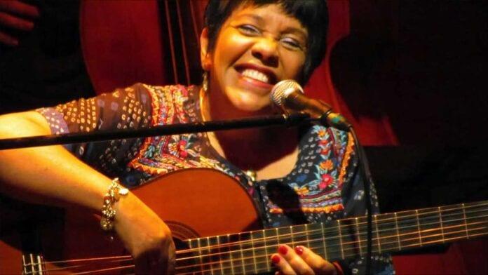 brazilian singer and guitarist Rosa Passos