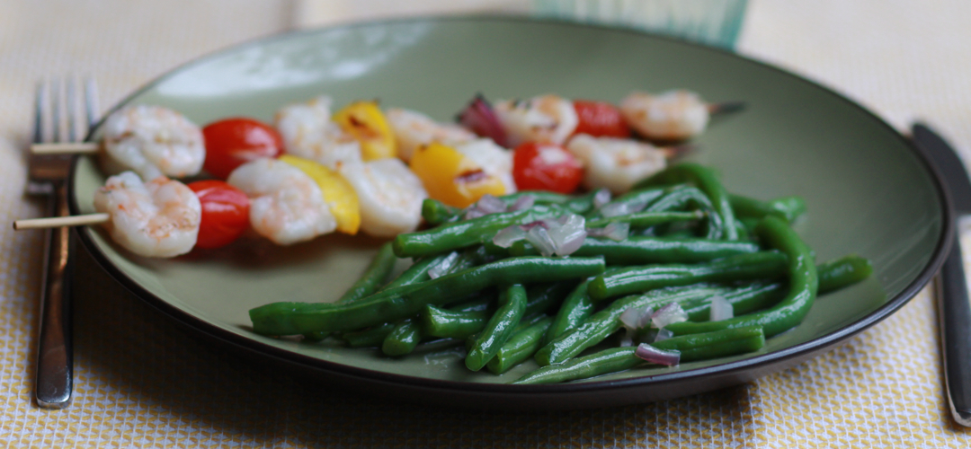 green beans on a plate
