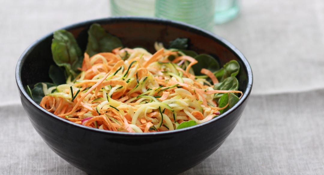 a bowl of veggie pasta
