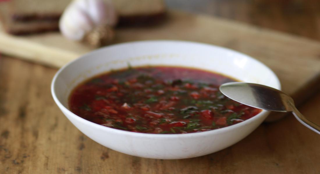 A bowl of red borsch