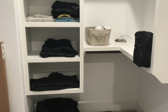 White closet before2