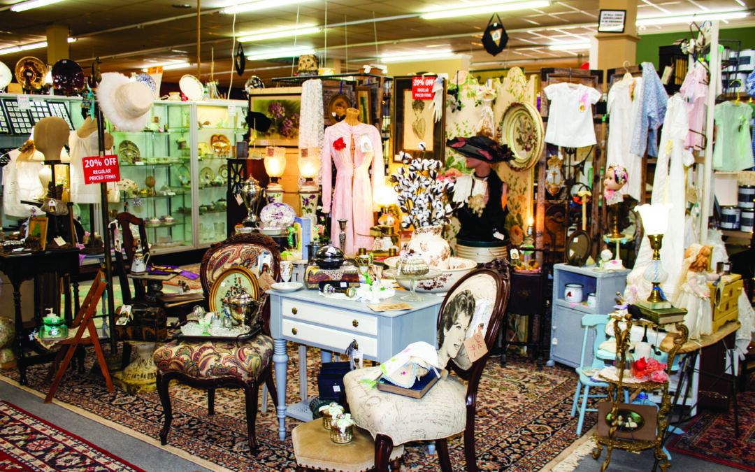 Red Rooster Antiques – Vendor Mall Downtown New Braunfels