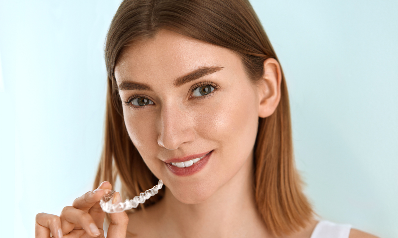 4 Tips on dating with Invisalign braces