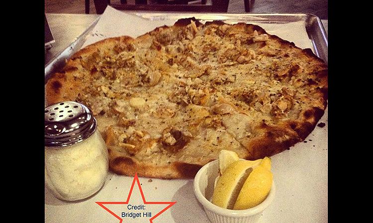 mercato-tomato-pie_newark-pizza_presentation