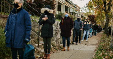 Coronavirus Upends Thanksgiving, While Some Ignore Travel Warnings