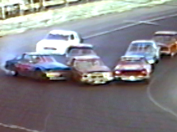 Speedbowl's Fantastic Finishes from the 1990's – Volume 2