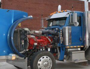 Peterbuilt Truck at Foley RIG360