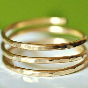 Adjustable hammered wire wrap coil ring (MEDIUM size), thumb ring, pregnancy ring – 14k gold filled