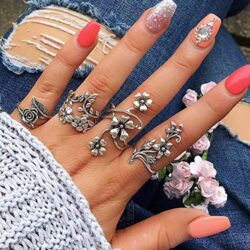 BERYUAN 4Pcs Silver Floral Rose ring Set Vintage Knuckle Ring Set Joint Knuckle Ring Set for Women and Girls teens