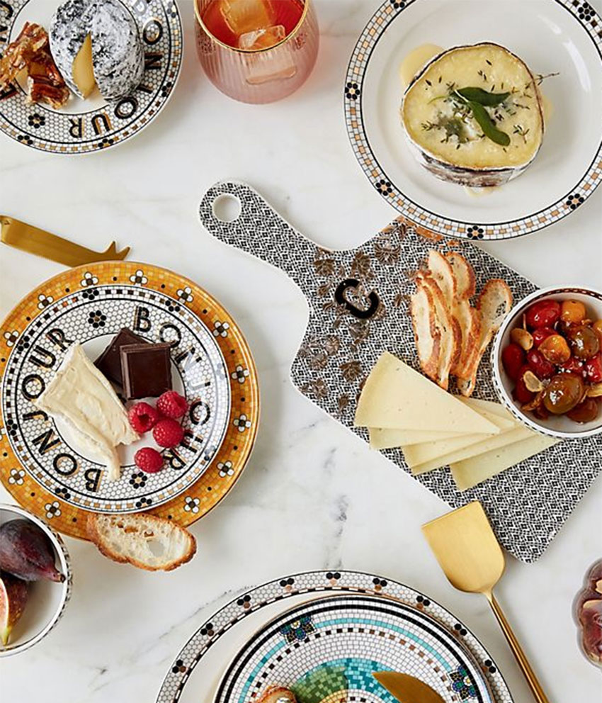22 STYLISH GIFTS FOR A HOSTESS