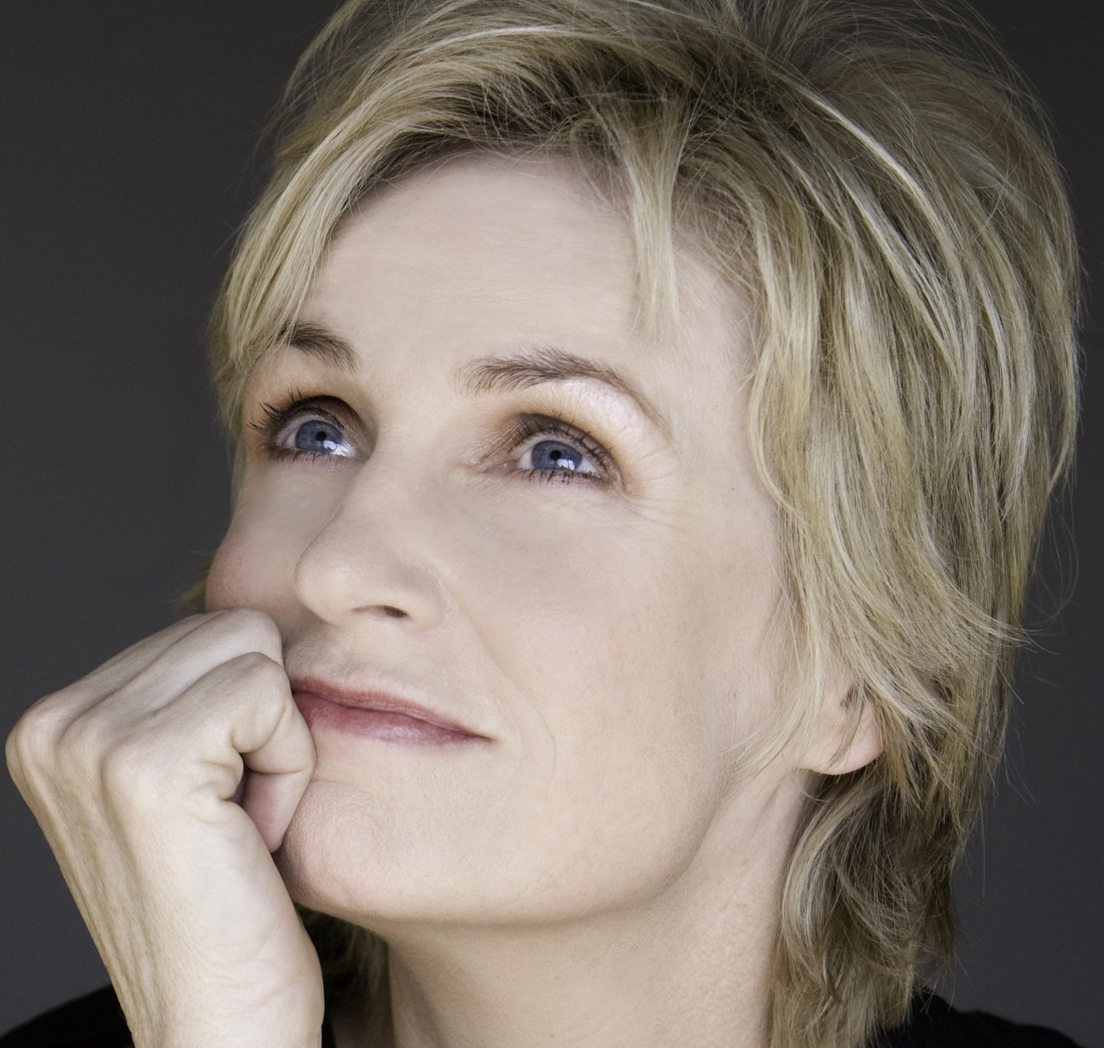 Jane Lynch to Receive Honorary Degree from Columbia College Chicago