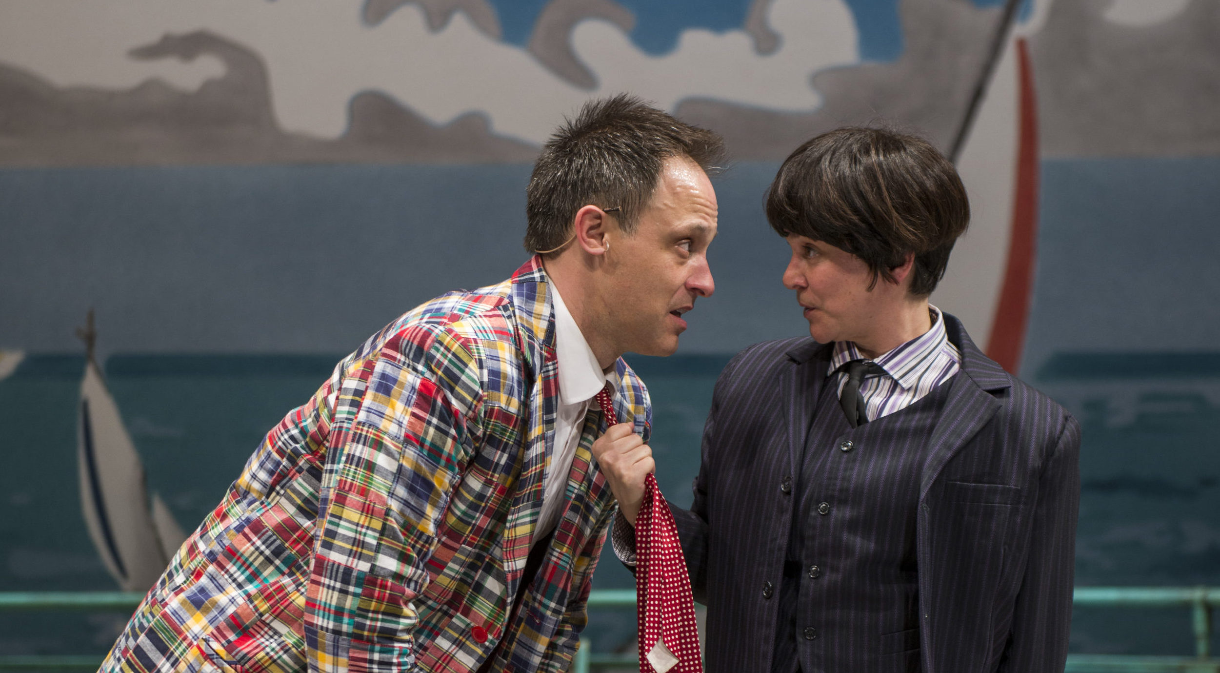 Hilarious ONE MAN, TWO GUVNORS Is Not to Be Missed