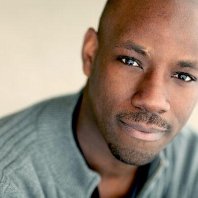 "Maurice Jones Replaces Raúl Esparza in CST's ""Hamlet,"" Full Cast Announced"