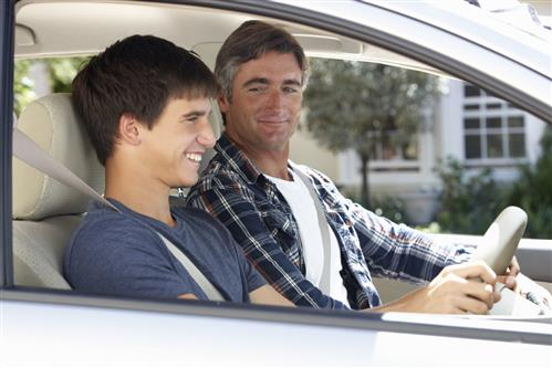 THINGS PARENTS AND TEENS SHOULD KNOW ABOUT TEEN DRIVING