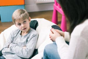 child_help_therapist
