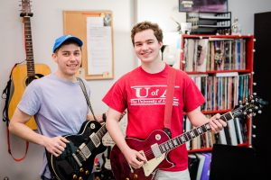 Find a Great Teacher - 6 Tips To Tackle The Guitar