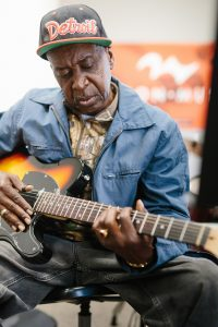 Adult Guitar Lessons at Mason Music