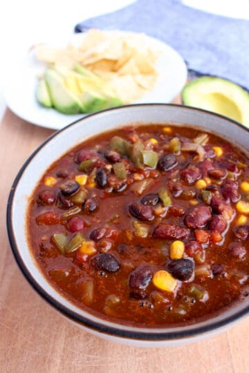 A great thing about chili is that it becomes even more flavorful over time as the ingredients meld together, making this 2 bean chili great for weekly prep meals and leftovers.
