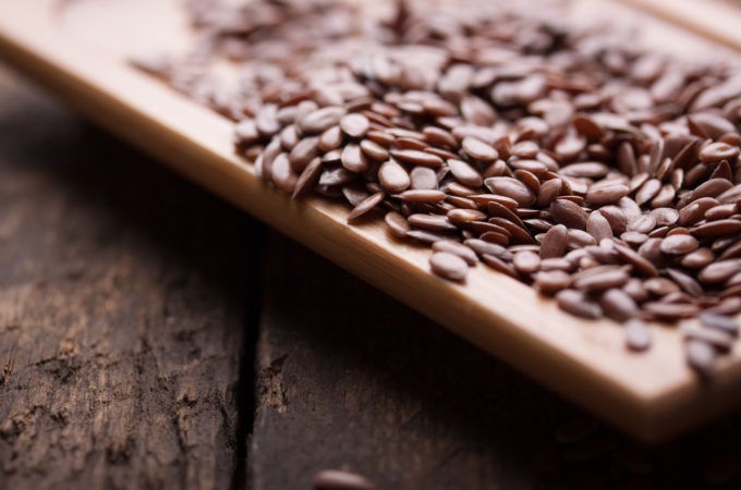 8 Reasons to Eat Flax Seeds Every Day
