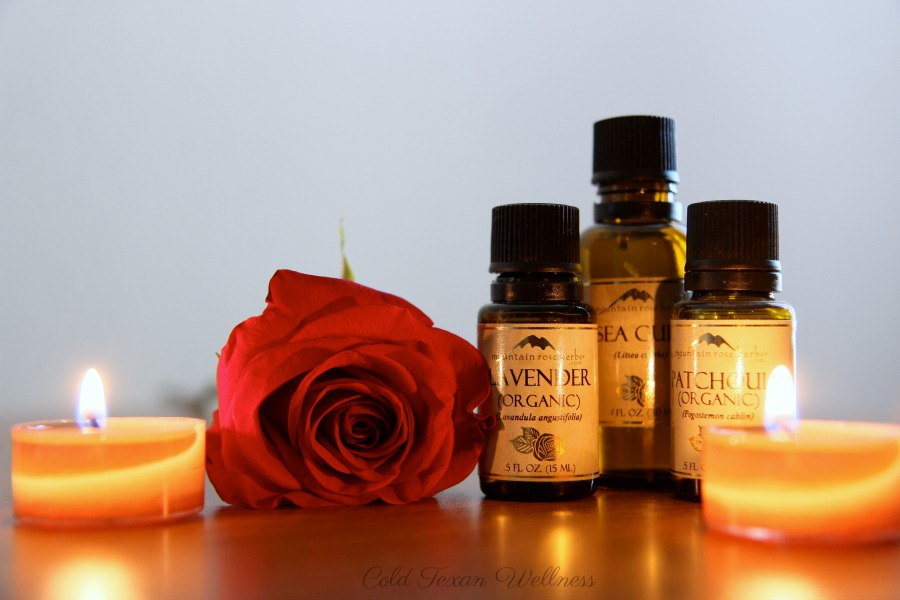 Do you know how to buy essential oils?  Yes, there's a trick to it.  Here's 5 Signs of Good Quality Essential Oils. Are you worried you have fake essential oils? Use these 5 tips from a certified aromatherapist to pick the best quality essential oils that are also affordable