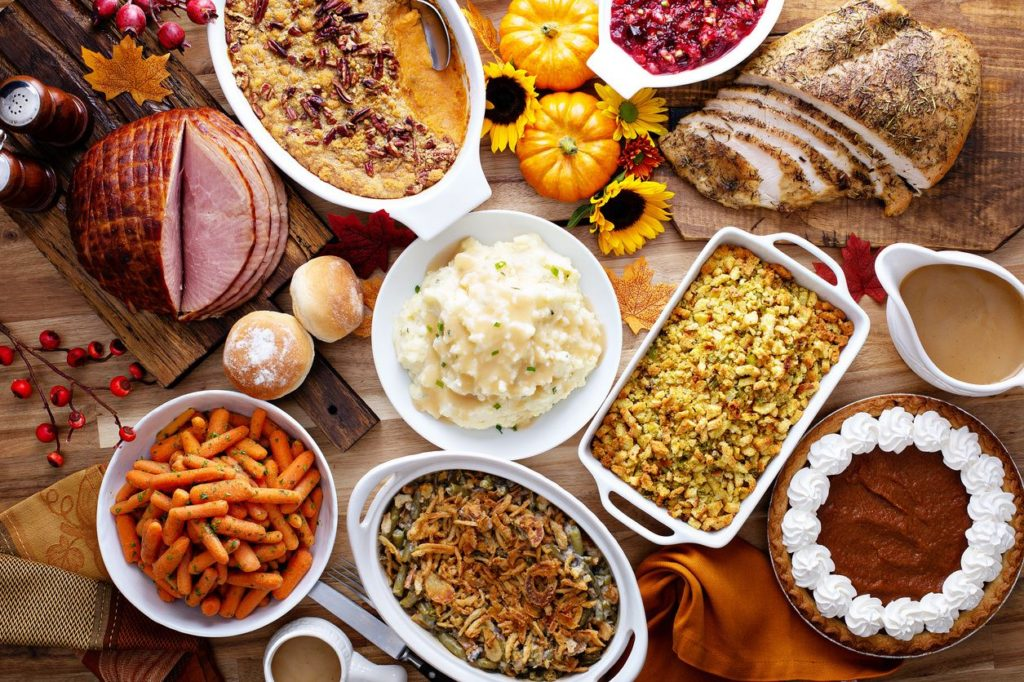Healthy Holiday Food Swaps.  How to clean up your holiday recipes and keep your body happy at the same time!