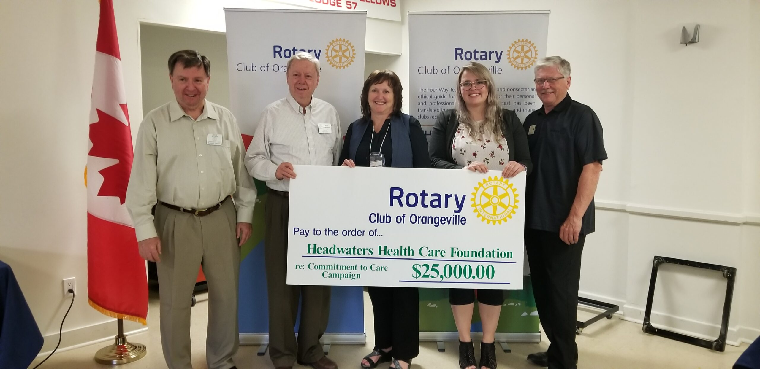 Cheque presentation to Headwaters Health
