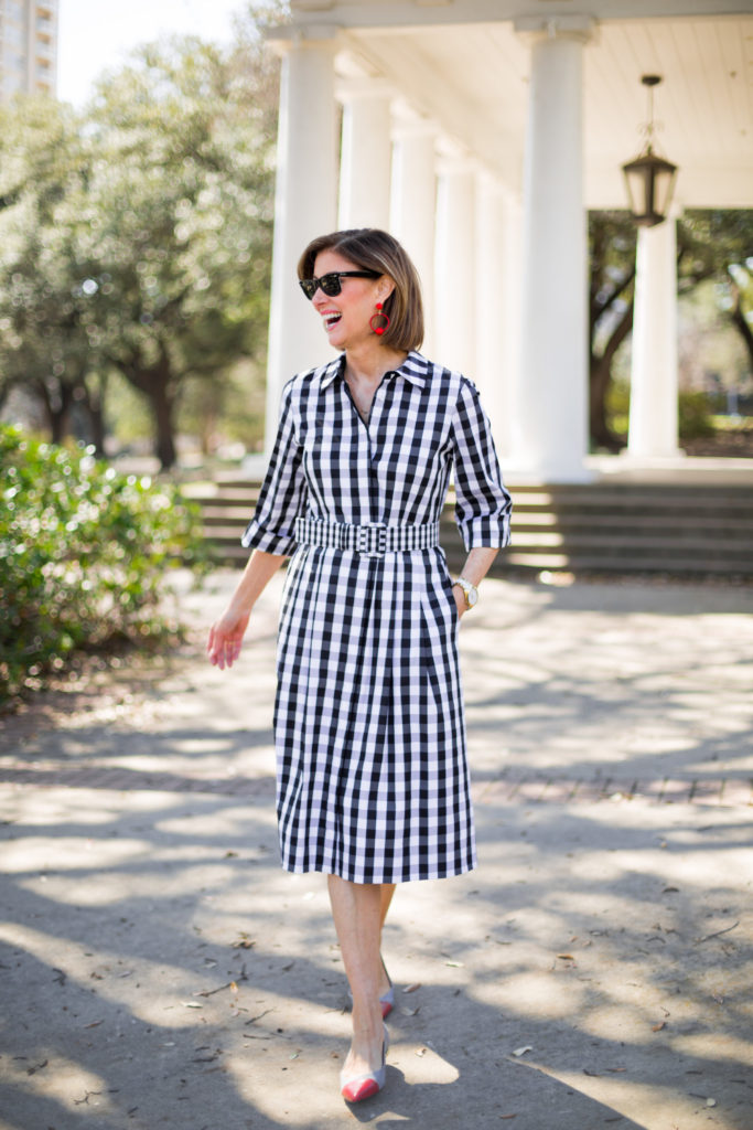 #mixingprints #redshoes #redearrings #over50trends #picnicdress