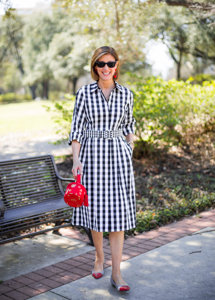 #redpurse #redshoes #lafayette148newyork #over50style #dallasblogger