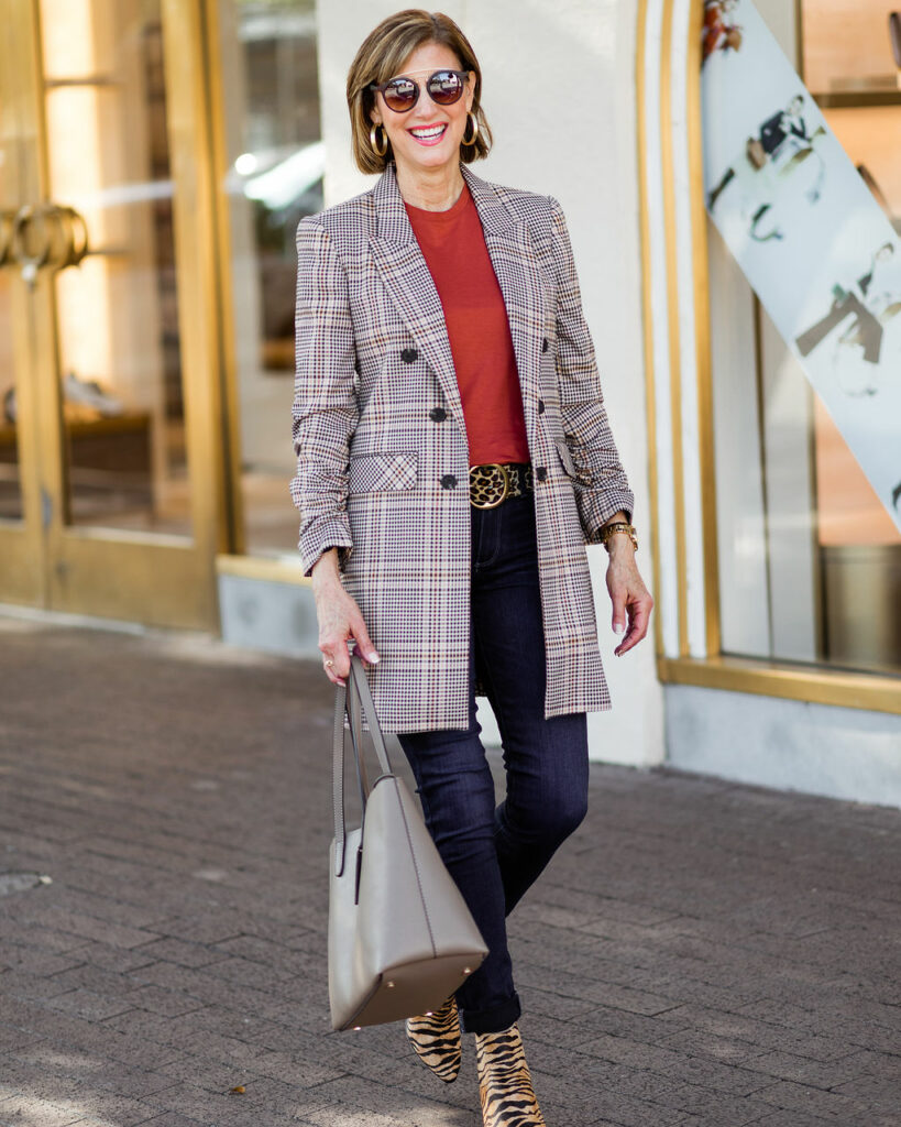 dallas blogger in plaid jacket
