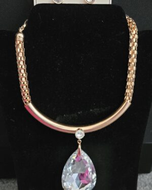 Gold/Clear Big Crystal Short Necklace