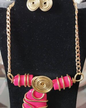 Gold/Pink Fashion Necklace