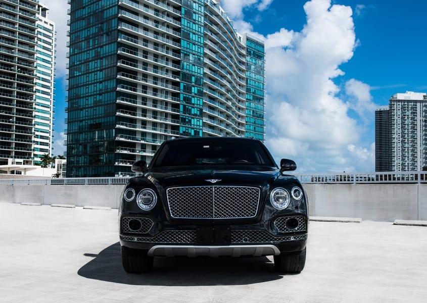 Rent Bentley Bentayga in miami