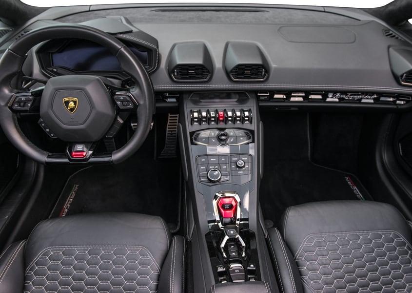 Rent Lambo Huracan Spyder in Miami