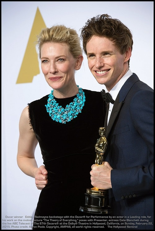 """Presenter, Cate Blanchett poses with Eddie Redmayne backstage with the Oscar® for Performance by an actor in a Leading role, for work on """"The Theory of Everything"""" during the live ABC Telecast of The 87th Oscars® at the Dolby® Theatre in Hollywood, CA on Sunday, February 22, 2015."""