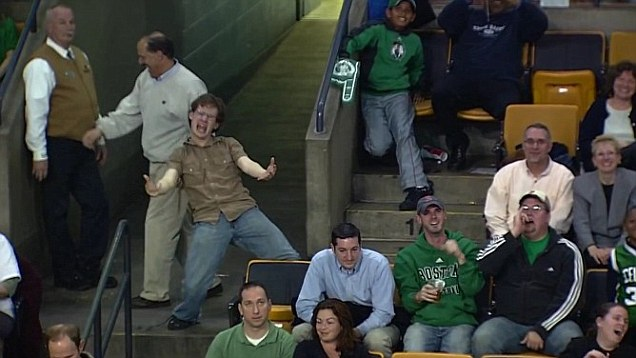 """Celtics Fan Inspires The Crowd With His Enthusiasm And Convinces Them To Join Him In Singing """"Living On A Prayer!"""""""