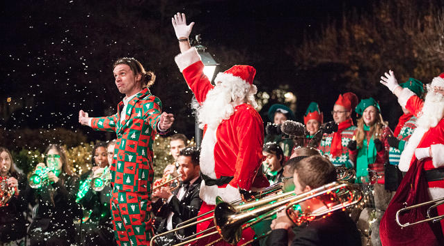 Most Epic Christmas Carolers Ever Surprise A Family With A Performance From A Full Orchestra