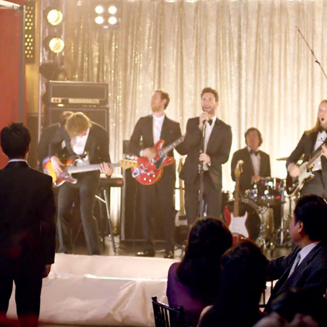 """Maroon 5 Crashed Weddings For Their Latest Music Video """"Sugar"""" And It Is BEYOND Awesome!"""